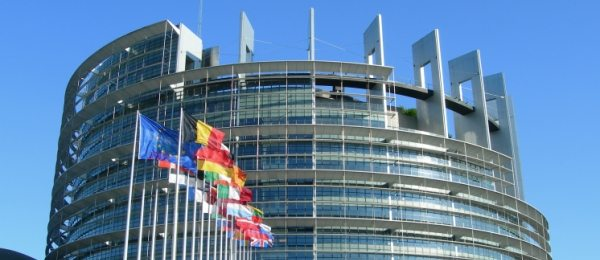 Saptamana europeana a tineretului (26 mai-2 iunie) promoveaza participarea activa a tinerilor in societate – 2 din 3 au intentia de a vota la alegerile parlamentare din 2014