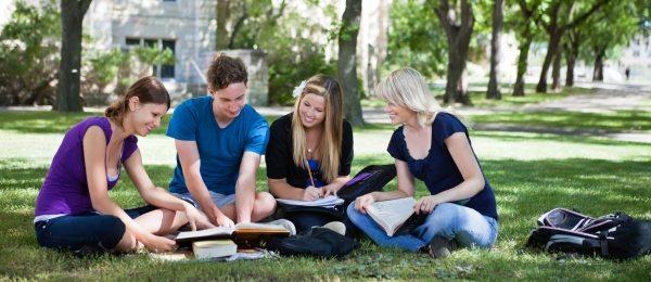Lansarea raportului anual O privire de ansamblu asupra educației 2013