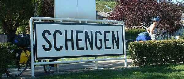 In ce conditii pot adera Romania si Bulgaria la spatiul Schengen? | Video Europe Direct Timisoara