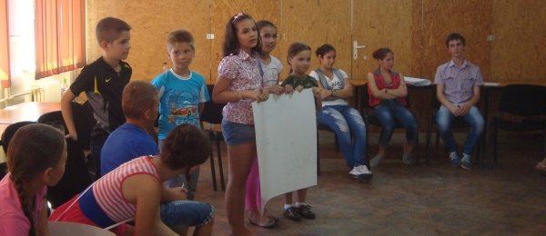 Tinerii, o sursa de inspiratie si energie   Workshop despre cetatenie activa si voluntariat la Liceul Banatean, Otelu Rosu