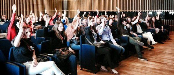 """Tinerii timisoreni au exersat rolul de """"Europarlamentar pentru o zi""""   MEP41day"""