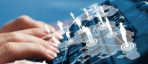 Îmbunătățirea accesului la informații de interes public și servicii publice online: primele norme vizează în special persoanele cu dizabilități
