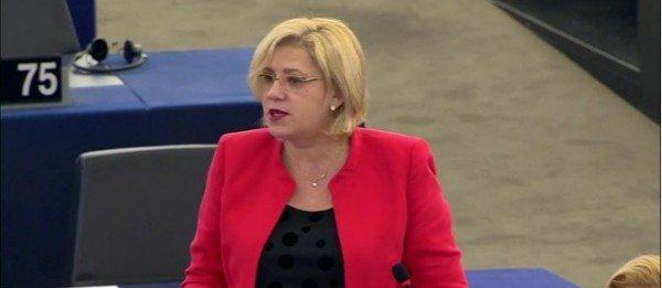 Comisarul Corina Crețu, despre rolul serviciilor publice în îmbunătățirea conectivității feroviare