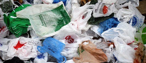 Reducerea drastică a consumului de pungi de transport din plastic subțire